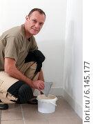 Купить «Painter preparing support», фото № 6145177, снято 30 ноября 2010 г. (c) Phovoir Images / Фотобанк Лори