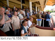 Купить «Зрители на трибунах Центрального московского ипподрома города Москвы», фото № 6159701, снято 20 июля 2014 г. (c) Николай Винокуров / Фотобанк Лори