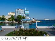 Купить «Набережная Севастополя. Крым.», фото № 6171741, снято 21 июля 2014 г. (c) Ирина Балина / Фотобанк Лори