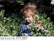 Купить «Девочка в саду», фото № 6177097, снято 24 мая 2013 г. (c) Хайрятдинов Ринат / Фотобанк Лори
