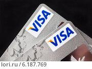 Купить «Расчетные банковские карты Visa», фото № 6187769, снято 24 июля 2014 г. (c) Victoria Demidova / Фотобанк Лори