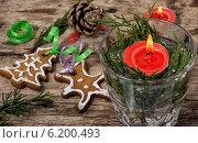 Купить «Композиция с праздничными рождественскими украшениями и вкусным печеньем», фото № 6200493, снято 22 июля 2014 г. (c) Николай Лунев / Фотобанк Лори