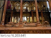 Krakow, Poland, grave of King Kazimierz Wielki in the Wawel Cathedral (2008 год). Редакционное фото, агентство Caro Photoagency / Фотобанк Лори