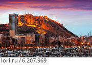 Купить «View of Alicante in sunrise», фото № 6207969, снято 14 апреля 2014 г. (c) Яков Филимонов / Фотобанк Лори