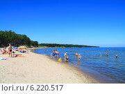 Купить «Пляж на Балтийском море. Куликово, Калининградская область», фото № 6220517, снято 19 июля 2014 г. (c) Михаил Рудницкий / Фотобанк Лори