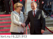 Купить «Berlin, Germany, Vladimir Putin and Angela Merkel at the Hannover Messe», фото № 6221913, снято 7 апреля 2013 г. (c) Caro Photoagency / Фотобанк Лори