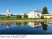 Купить «Свято-Введенский Толгский монастырь», фото № 6227077, снято 19 июля 2014 г. (c) Наталья Волкова / Фотобанк Лори