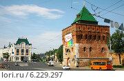 Купить «Дмитриевская башня Нижегородского кремля», фото № 6229297, снято 8 июня 2014 г. (c) Елена Ковалева / Фотобанк Лори