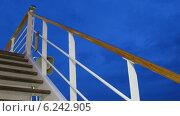 Купить «Лестница на круизном лайнере», видеоролик № 6242905, снято 16 августа 2011 г. (c) Losevsky Pavel / Фотобанк Лори