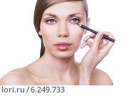 natural woman with cosmetic pencil. Стоковое фото, фотограф Александр Буц / Фотобанк Лори