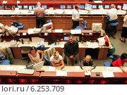 Купить «Floor trading on the Frankfurt Stock Exchange», фото № 6253709, снято 17 мая 2000 г. (c) Caro Photoagency / Фотобанк Лори