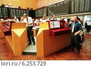 Купить «Floor trading on the Frankfurt Stock Exchange», фото № 6253729, снято 17 мая 2000 г. (c) Caro Photoagency / Фотобанк Лори