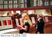 Купить «Floor trading on the Frankfurt Stock Exchange», фото № 6253733, снято 17 мая 2000 г. (c) Caro Photoagency / Фотобанк Лори