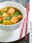Купить «Мисо суп с лососем», фото № 6267617, снято 27 июля 2014 г. (c) Марина Сапрунова / Фотобанк Лори