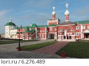 Купить «Архитектура Николо-Пешношского монастыря», эксклюзивное фото № 6276489, снято 8 августа 2014 г. (c) Дмитрий Неумоин / Фотобанк Лори