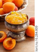 Купить «Bowl of apricot jam. Healthy food», фото № 6284809, снято 25 мая 2020 г. (c) BE&W Photo / Фотобанк Лори
