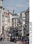 Купить «Столешников переулок, Москва», эксклюзивное фото № 6285285, снято 11 августа 2014 г. (c) lana1501 / Фотобанк Лори