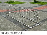 Купить «Велопарковка», фото № 6304461, снято 21 января 2014 г. (c) Сергей Трофименко / Фотобанк Лори
