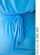 Купить «Синее платье с банотом», фото № 6308365, снято 8 августа 2014 г. (c) Морозова Татьяна / Фотобанк Лори