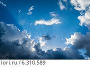 Солнечные лучи в окружении облаков. Стоковое фото, фотограф Иван Рочев / Фотобанк Лори