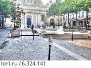 Купить «Площадь перед церковью Сорбонны», фото № 6324141, снято 30 апреля 2014 г. (c) Parmenov Pavel / Фотобанк Лори