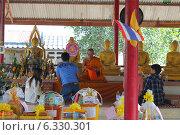Буддийская церемония (2013 год). Редакционное фото, фотограф Павлова Дарья / Фотобанк Лори