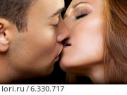 Купить «Kiss», фото № 6330717, снято 6 июля 2014 г. (c) Serg Zastavkin / Фотобанк Лори