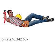 Купить «Builder taking a well earned break», фото № 6342637, снято 10 мая 2011 г. (c) Phovoir Images / Фотобанк Лори