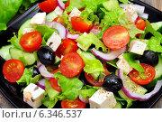 Купить «Греческий салат на тарелке», фото № 6346537, снято 31 августа 2014 г. (c) Мастепанов Павел / Фотобанк Лори