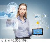 Купить «woman working with tablet pc», фото № 6355109, снято 17 ноября 2012 г. (c) Syda Productions / Фотобанк Лори