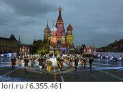 Купить ««Соединенные музыкой» - оркестр волынок и барабанов (Ирландия) на фестивале «Спасская башня», Москва, Красная площадь», эксклюзивное фото № 6355461, снято 1 сентября 2014 г. (c) Алексей Гусев / Фотобанк Лори