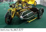Купить «Ретро-мотоцикл с коляской Bohmerland 600cc на московском автосалоне», фото № 6367577, снято 3 сентября 2014 г. (c) Данила Васильев / Фотобанк Лори