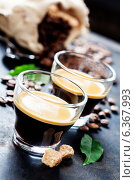 Купить «Две чашки эспрессо», фото № 6367993, снято 5 сентября 2014 г. (c) Наталия Кленова / Фотобанк Лори