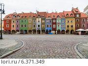 Купить «Ряд домов XVI века на старом рынке в Познани», фото № 6371349, снято 4 августа 2014 г. (c) Андрей Андронов / Фотобанк Лори