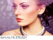 Купить «Retro portrait of beautiful woman. Vintage style. Fashion photo», фото № 6376021, снято 19 ноября 2019 г. (c) Ingram Publishing / Фотобанк Лори