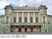 Купить «Санкт-Петербург, Мариинский театр», фото № 6380101, снято 2 сентября 2014 г. (c) Овчинникова Ирина / Фотобанк Лори