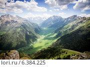 Горное ущелье. Стоковое фото, фотограф Максим Кожушко / Фотобанк Лори