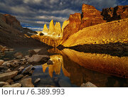 Купить «Towers with reflection at sunrise, Torres del Paine National Park, Patagonia, Chile», фото № 6389993, снято 29 февраля 2012 г. (c) Ingram Publishing / Фотобанк Лори