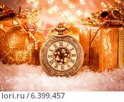 Купить «Christmas pocket watch», фото № 6399457, снято 11 сентября 2014 г. (c) Андрей Армягов / Фотобанк Лори