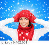 Купить «smiling young woman in winter clothes», фото № 6402661, снято 15 августа 2013 г. (c) Syda Productions / Фотобанк Лори
