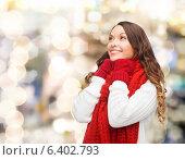 Купить «smiling young woman in winter clothes», фото № 6402793, снято 22 сентября 2013 г. (c) Syda Productions / Фотобанк Лори