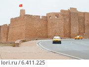 Купить «Тунис, средневековая крепость Рибат в городе Монастире», фото № 6411225, снято 4 сентября 2011 г. (c) Лукаш Дмитрий / Фотобанк Лори