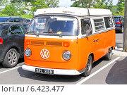 Купить «Автомобиль Volkswagen Transporter», фото № 6423477, снято 14 августа 2014 г. (c) Art Konovalov / Фотобанк Лори