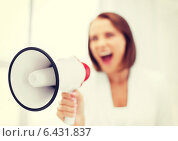 Купить «strict businesswoman shouting in megaphone», фото № 6431837, снято 18 июля 2013 г. (c) Syda Productions / Фотобанк Лори