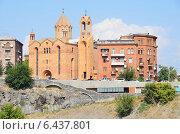 Купить «Викариальная церковь Св. Саргис в Ереване», фото № 6437801, снято 15 сентября 2014 г. (c) Овчинникова Ирина / Фотобанк Лори