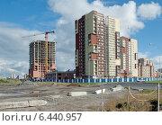 Купить «Новый  городской район. Строительство многоэтажных домов на пустыре», эксклюзивное фото № 6440957, снято 22 сентября 2014 г. (c) Svet / Фотобанк Лори