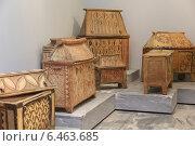 Купить «Глиняные саркофаги в археологическом музее в Ираклионе, Крит, Греция», эксклюзивное фото № 6463685, снято 22 июля 2014 г. (c) Алексей Гусев / Фотобанк Лори