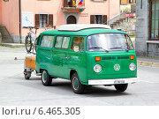 Купить «Автомобиль Volkswagen Transporter», фото № 6465305, снято 5 августа 2014 г. (c) Art Konovalov / Фотобанк Лори