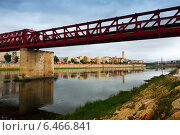 Footbridge over Ebre river in Tortosa, Spain (2014 год). Стоковое фото, фотограф Яков Филимонов / Фотобанк Лори