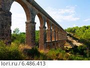 ancient aqueduct in sunny day. Tarragona (2013 год). Стоковое фото, фотограф Яков Филимонов / Фотобанк Лори
